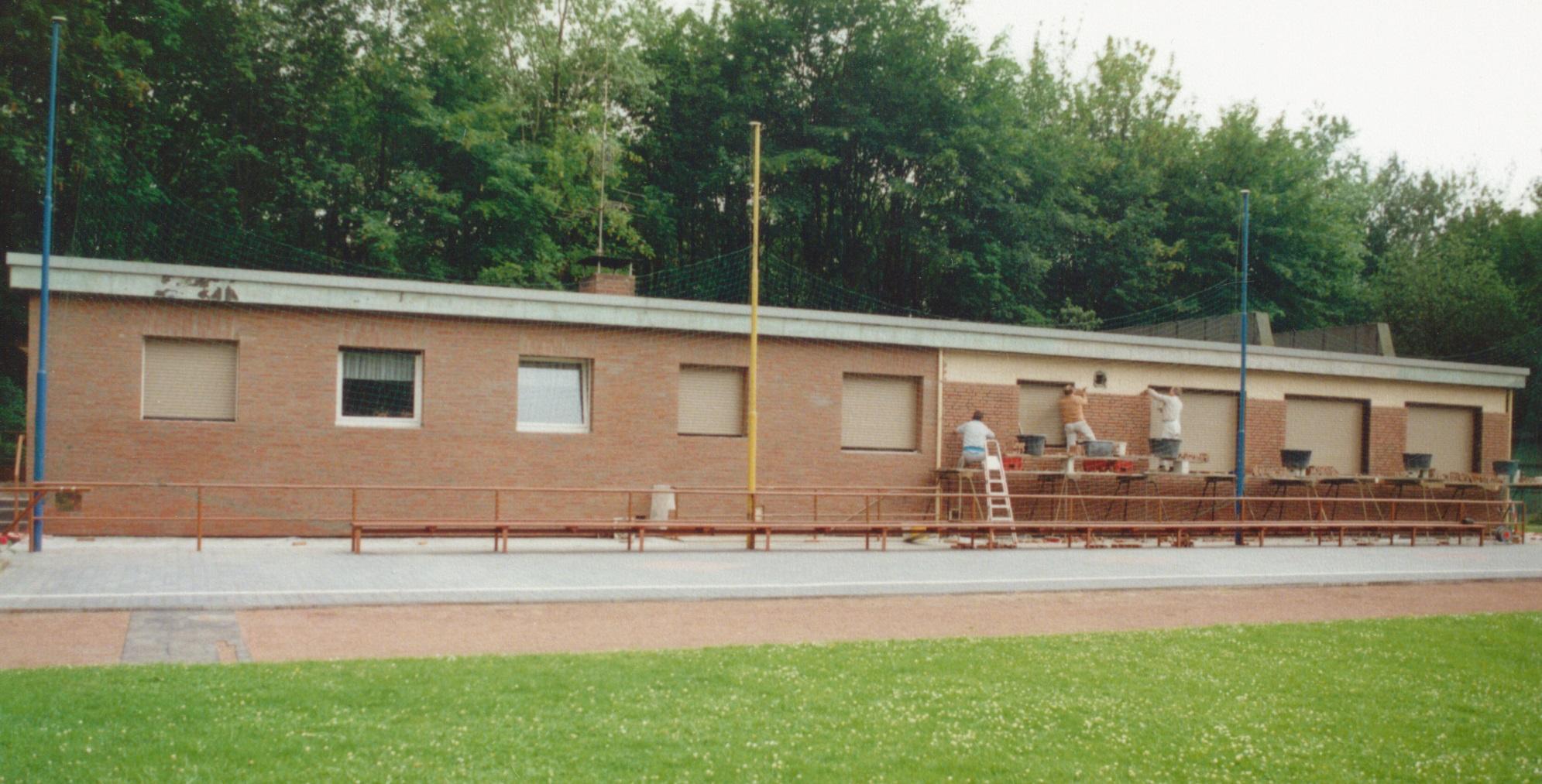 geschichte-klubhaus-verklinkerung-1990